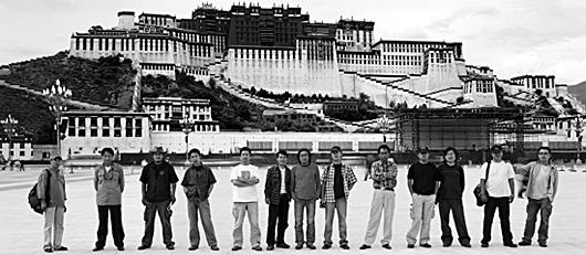CH04592-Lhasa-Artists-Lois-Conner